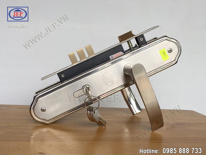 Khóa cửa tay gạt bằng inox MC7