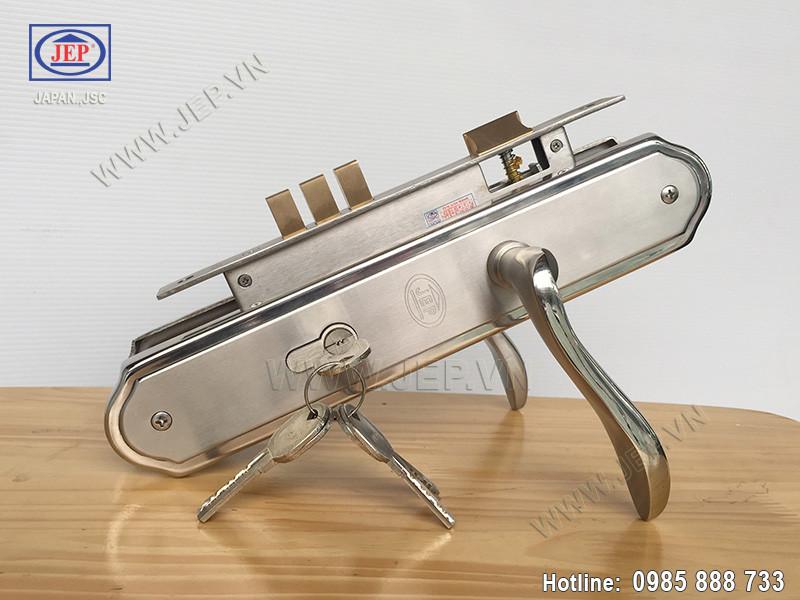 Khóa tay gạt MC8 SUS 304 thân inox